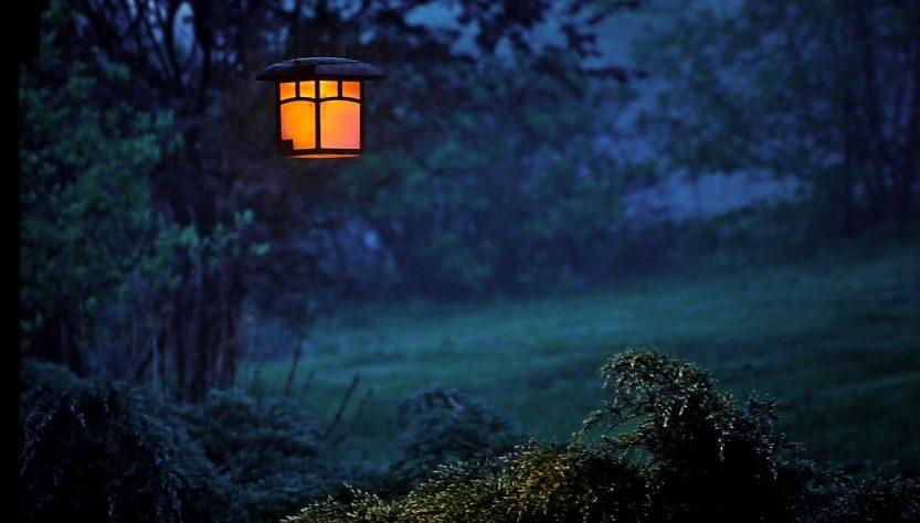 Jak podłączyć lampy ogrodowe