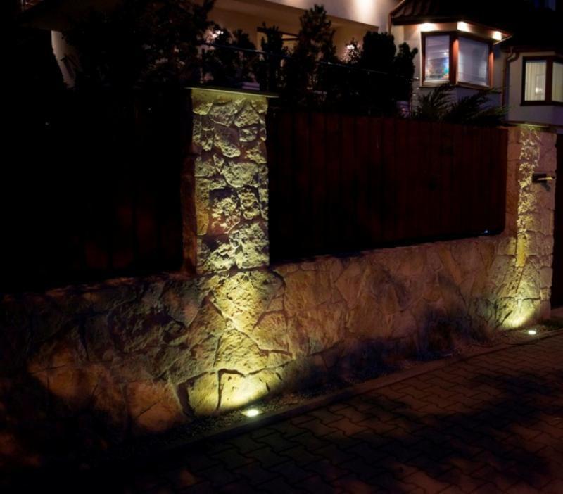 montaz-lamp-ogrodowych-najazdowych
