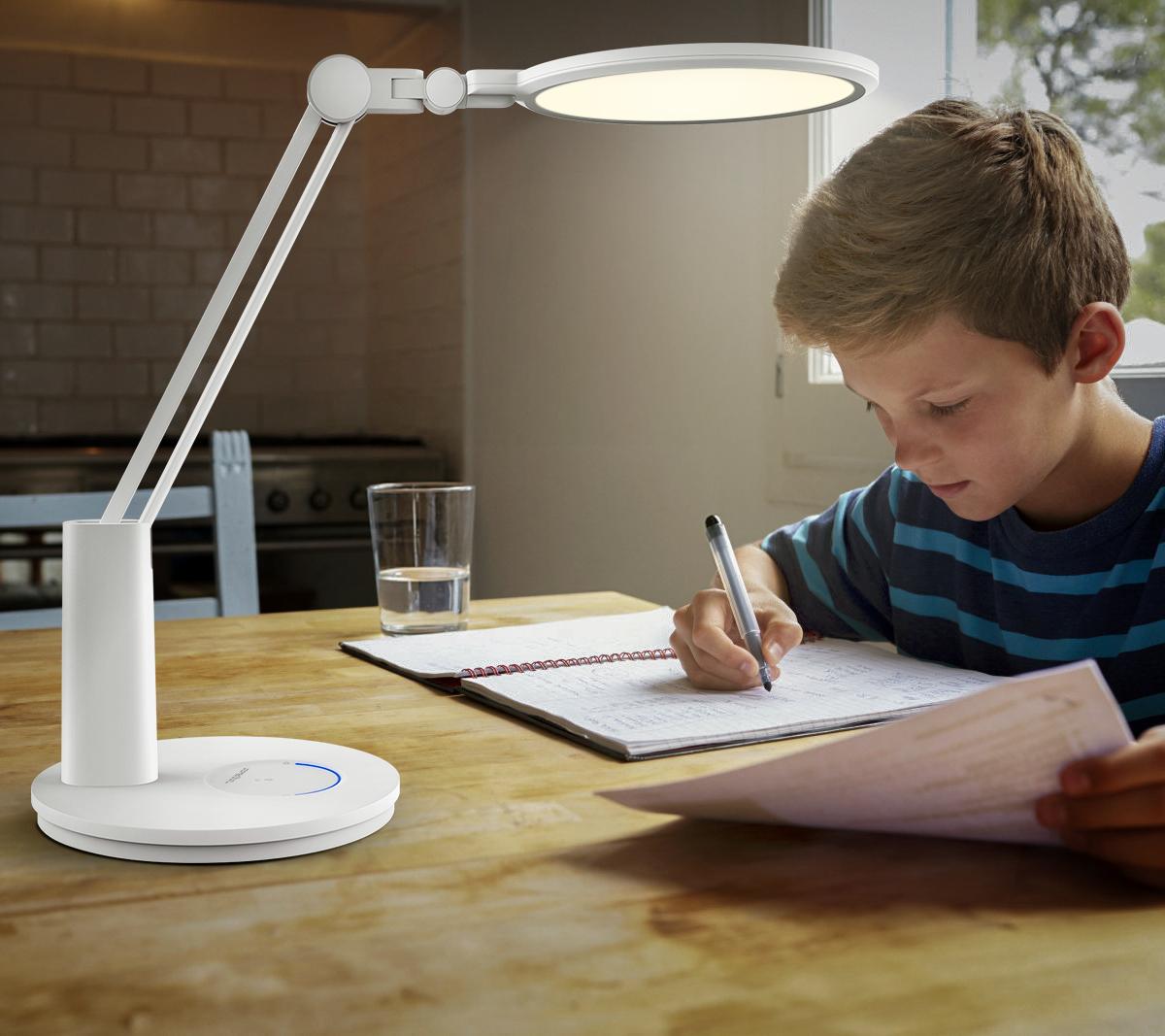 Jaka lampka na biurko jest najlepsza