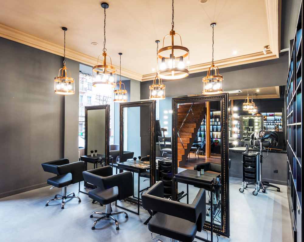 Jakie oświetlenie do salonu Beauty