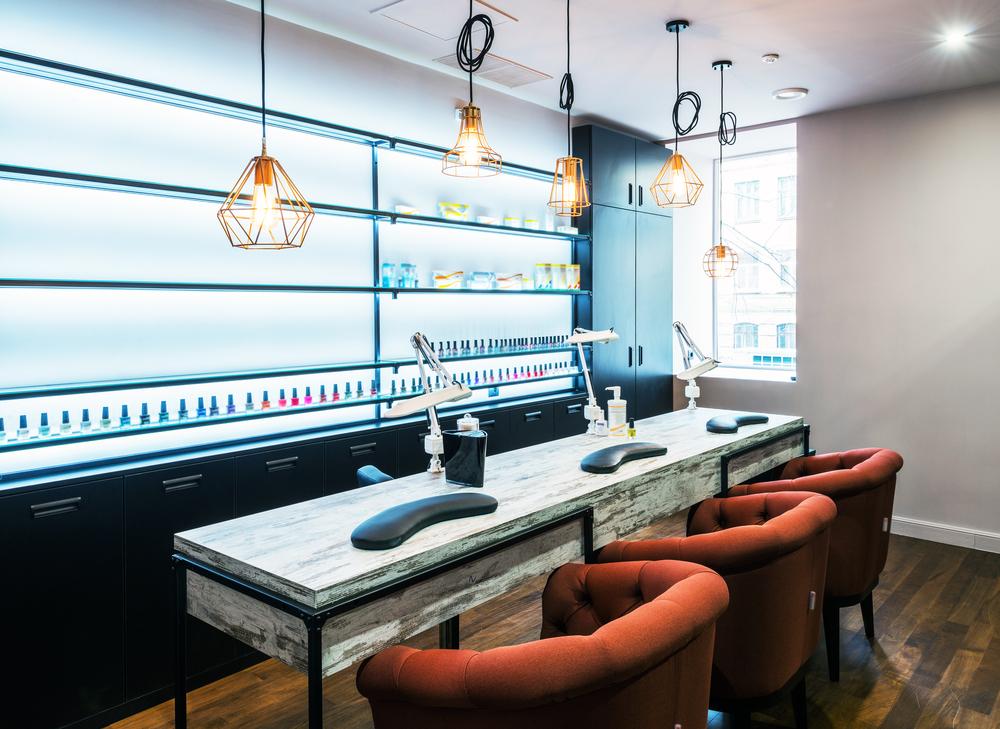 Oświetlenie LED w salonie kosmetycznym